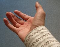 En hjælpende hånd kan være guld værd (foto: artotm/sxc.hu)